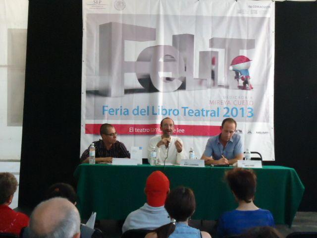 Diálogo entre investigadores y creadores/ Lecturas no teatrales para los teatristas