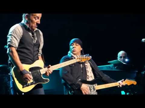 Bruce Springsteen - Backstreets + Sad Eyes - Adelaide 2014 - YouTube