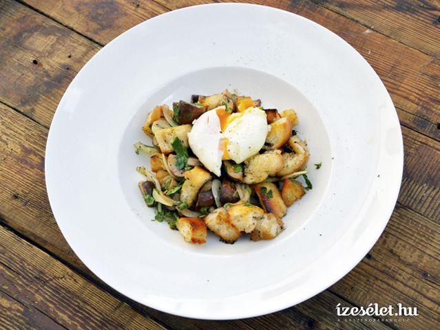 Téli kenyérsaláta karamellizált gombával és buggyantott tojással - Receptek | Ízes Élet - Gasztronómia a mindennapokra