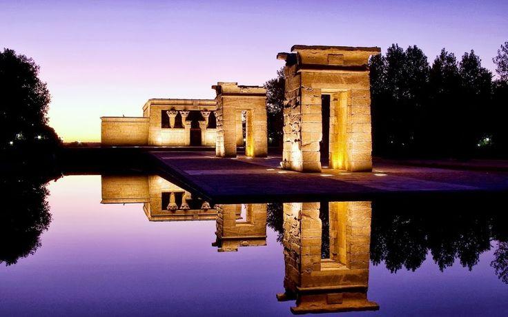 Uno de los atardeceres más especiales de Madrid puede contemplarse desde el Templo de Debod.