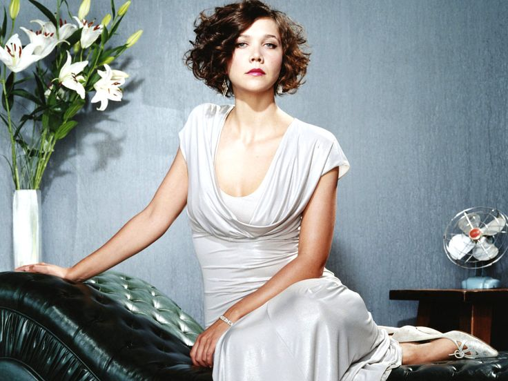 Maggie Gyllenhaal S Curly Bob Hairstyle Next Haircut