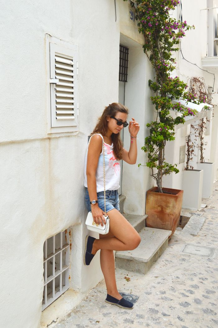 Visit Ibiza city outfit for summer | The fashion peony's blog