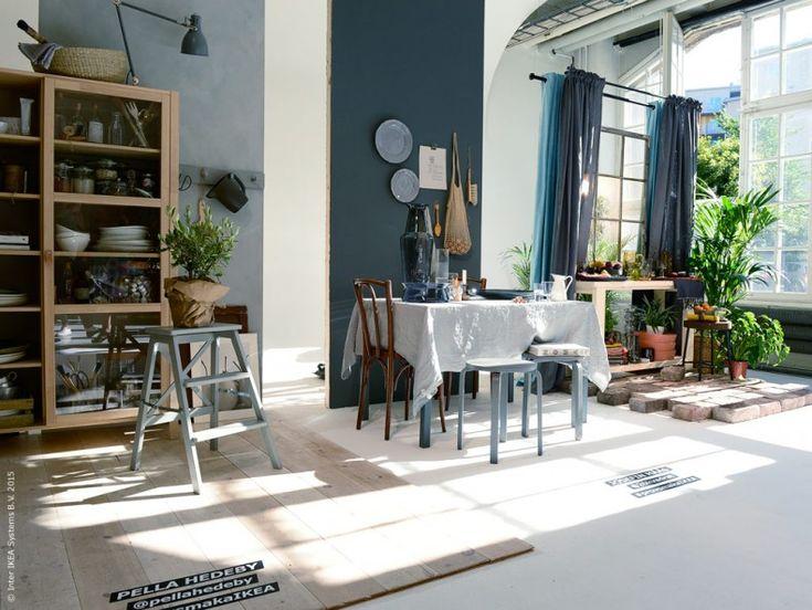 Igår var det pressvisning av den nya IKEA katalogen i stadsdelen Södermalm i Stockholm. Vi på Livet Hemma, liksom nyfikna bloggare och journalister var såklart på plats när det dukades upp till långbord och intressanta samtal ledda av moderatorn Erik Haag.