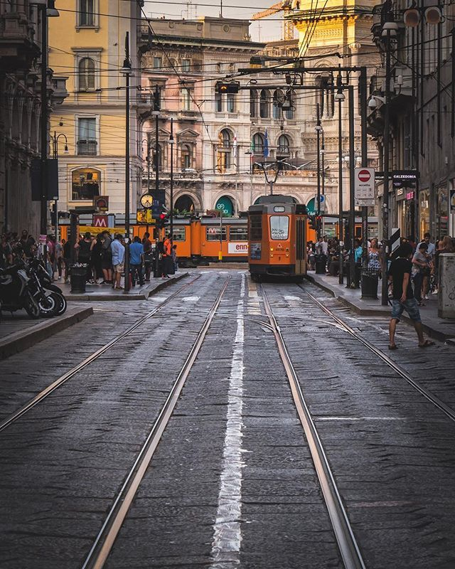 I find couple of busy places in Milan this street was one of them #mymilano #igersmilano #milano4you #milano #lombardia #italy #ig_milano #nikonitalia #igersitalia #italiainunoscatto #ig_italy #instaitalia #ig_lombardia #ig_italia #italy_vacations #vivo_italia #milanocity #ig_europe #ig_europa #living_europe #instamilano #europe_vacations #cbviews #ig_world_colors #italian_places #worldplaces #theworldshotz #milanodavedere #europe_vacations