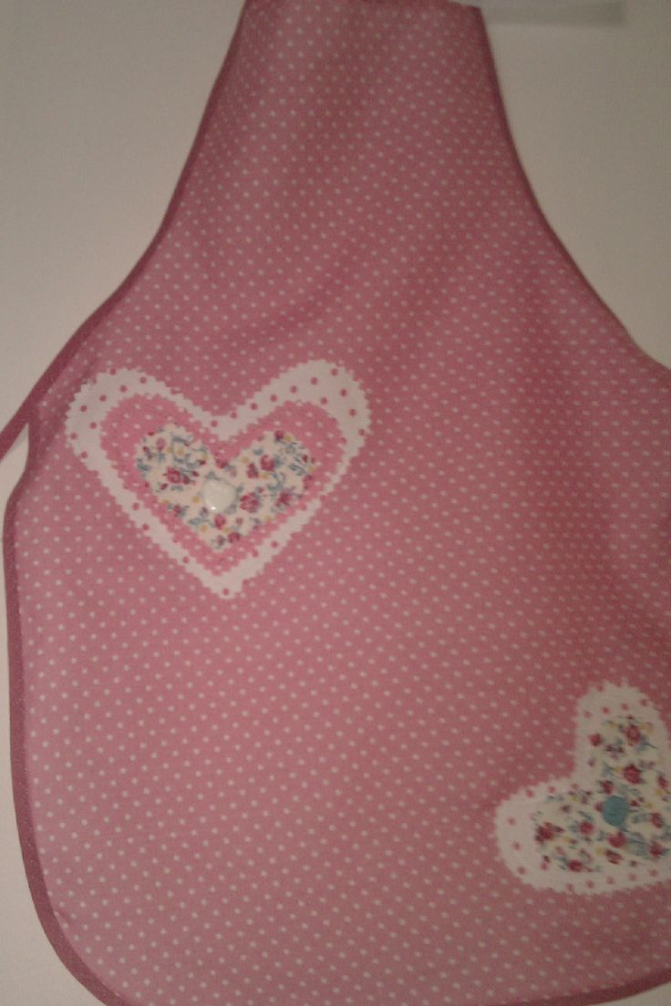 Kiddies Apron with heart pocket