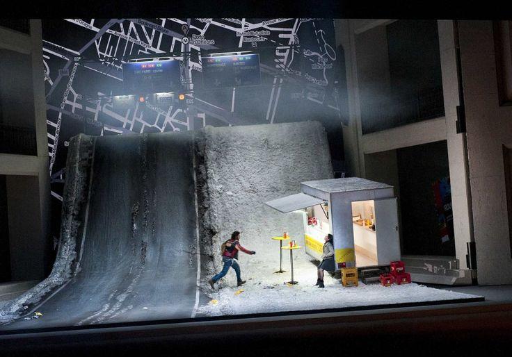 """Massimo Cavalletti (Marcello) und Anna Netrebko (Mimi) in """"La bohème""""."""