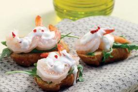 Μπρουσκέτες με γαρίδες και τυρί