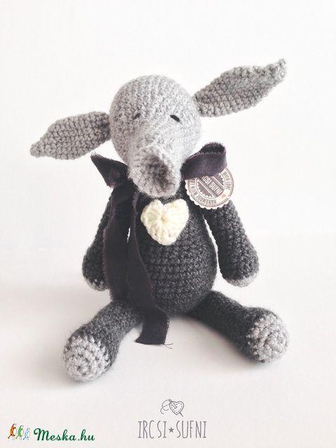 Meska - Horgolt földimalac  ircsisufni kézművestől #crochet #crochettoys #toy #aardvark