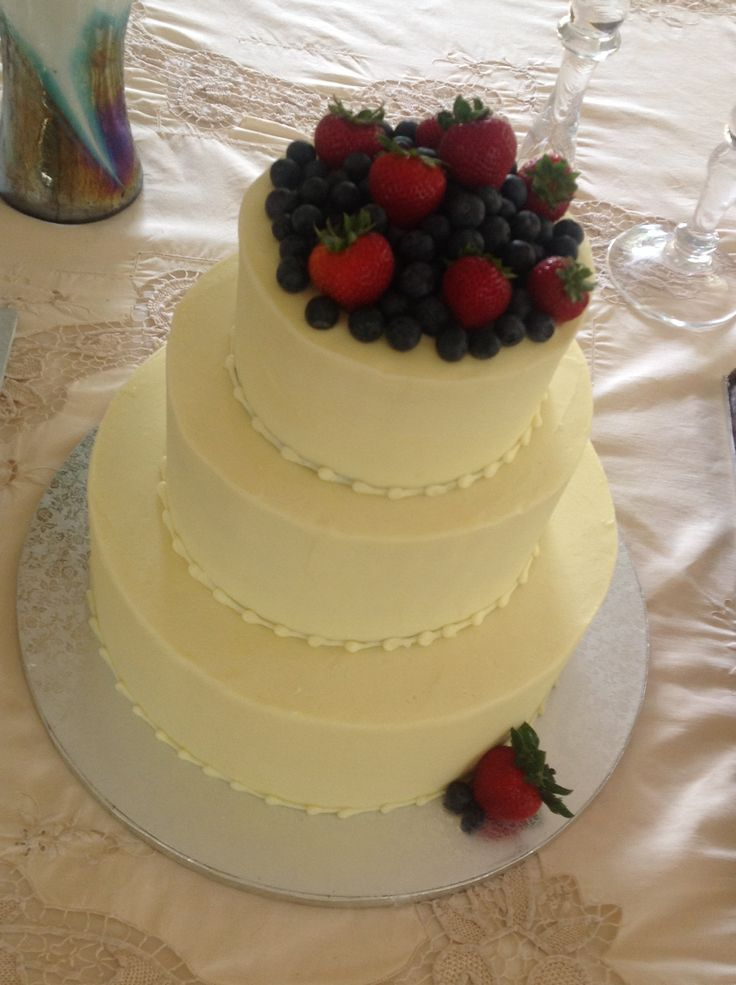 wedding cake recipes fruit 10 best images about cakes on frosting 23625