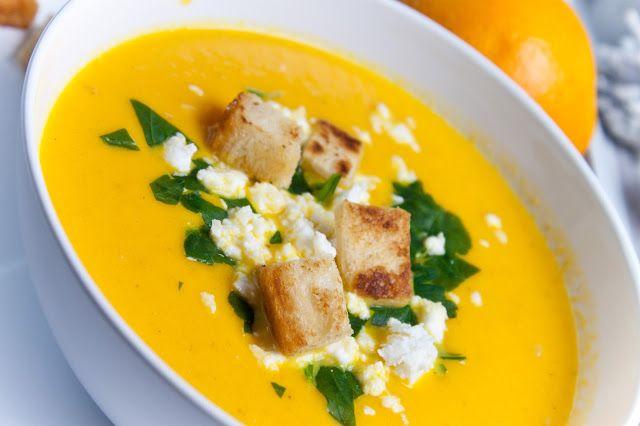 Mrkvová polévka s feta sýrem