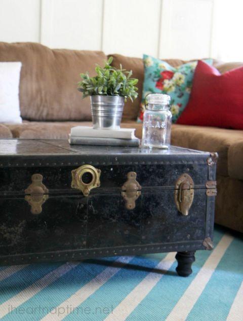 best 25 trunk coffee tables ideas on pinterest wood. Black Bedroom Furniture Sets. Home Design Ideas