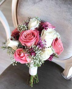 Ramo de novia de rosas con flor de cera y paniculata. #ramodenovia #bodas2016 #asísímecaso #bodastornasol #floresboda #bodasvalencia #floristería #valencia #alaquàs #tornasol