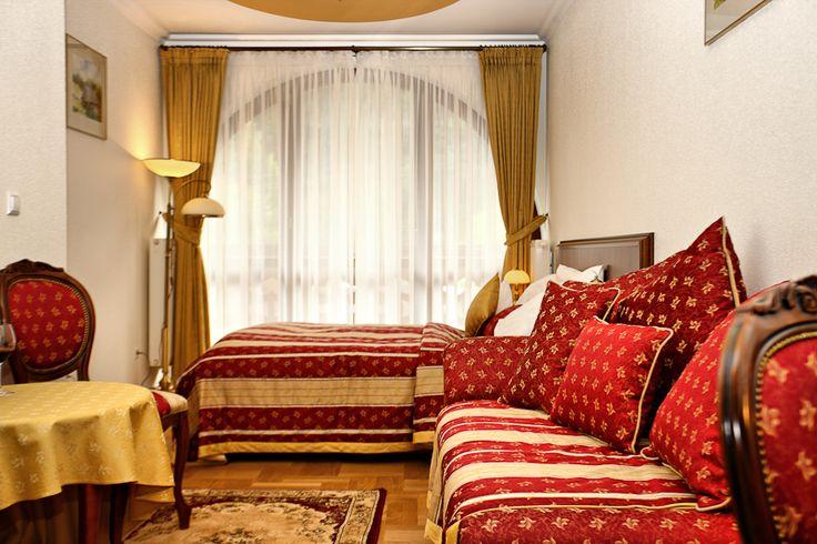 Macie już plany na Wielkanoc? W naszym pensjonacie czekają na Was świetne pakiety! #wielkanoc #pensjonat #room #pokój #hotel #wypoczynek #beskidy #muszyna #relaks #spa #pobyt #rodzina