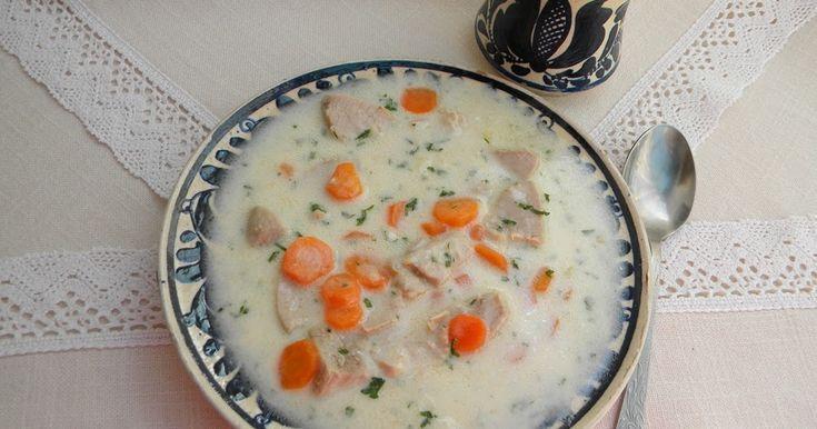 Kalotaszentkirályi hagyományos leves, az esküvők másnapján, keresztelők és halotti torok alkalmával főzik. Hozzávaló...