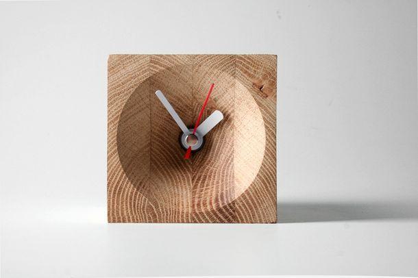Focus Uhr aus Holz