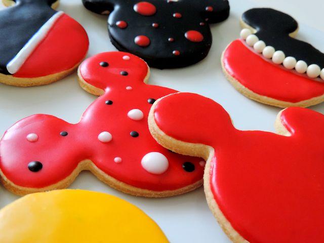 Le blog de Laura: Sablés à la vanille Mickey & Minnie, à croquer !
