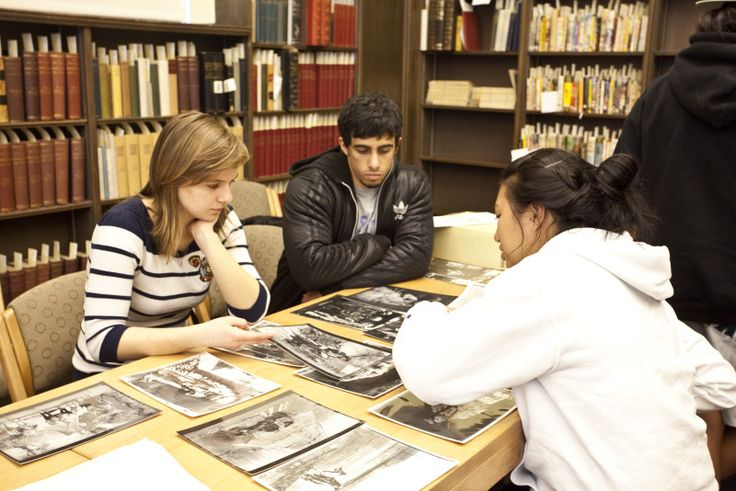 UO Faculty Encouraged to Nominate Undergraduate Researchers for Library Awards   University of Oregon Libraries