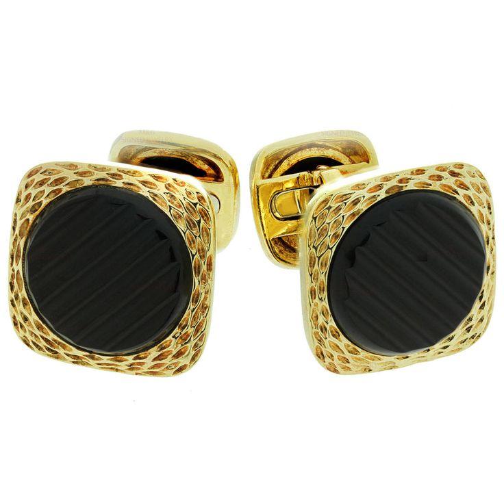 1970s Van Cleef & Arpels Black Onyx Gold Cufflinks   From a unique collection of vintage cufflinks at https://www.1stdibs.com/jewelry/cufflinks/cufflinks/