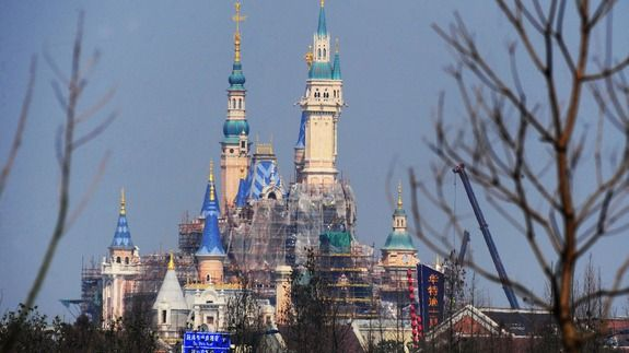 Shanghai Disneyland opening tickets sell out within hours - http://edgysocial.com/shanghai-disneyland-opening-tickets-sell-out-within-hours/