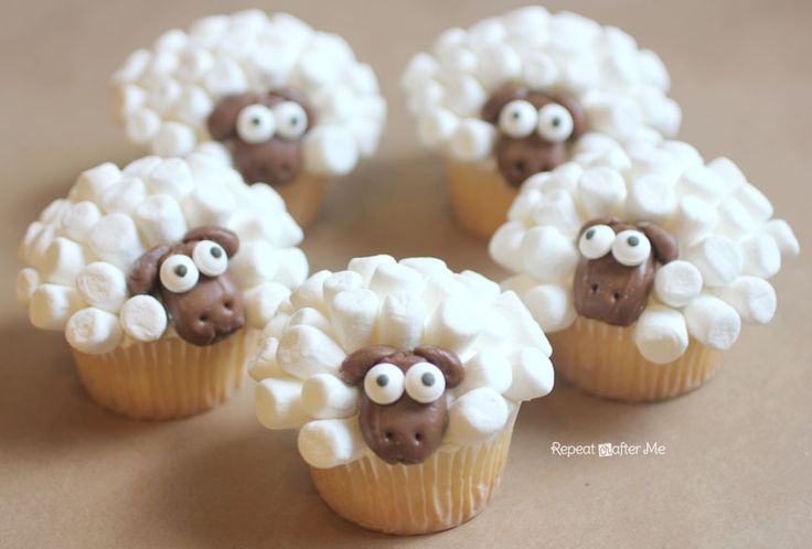Repeat Crafter Me: Sheep Cupcakes