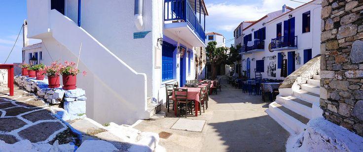 La Chora, Alonnisos - Greece  http://globetrotter-blog.com/listing/alonnisos-greece/