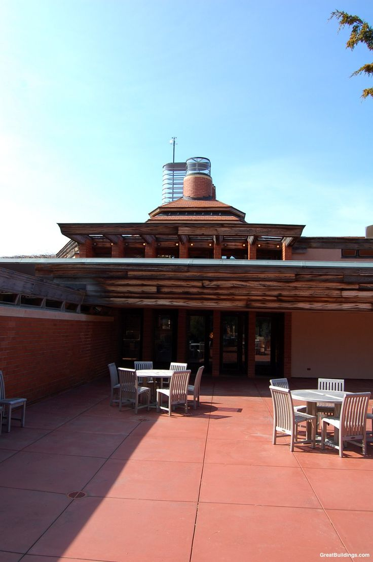 1111 best frank lloyd wright images on pinterest frank lloyd wingspread by frank lloyd wright architect at wind point wisconsin architecture in the great buildings online