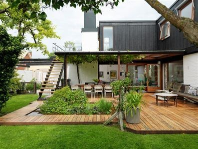 Great deck and backyard