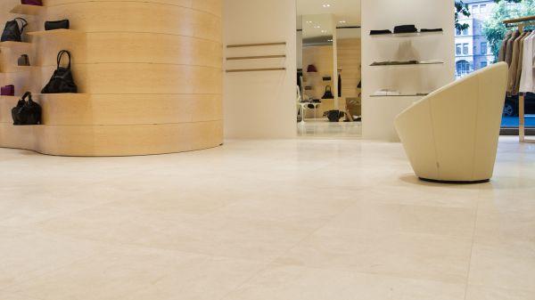 Zu den Produktinformationen: Fliesen und Naturstein sicher verlegen und reinigen/pflegen