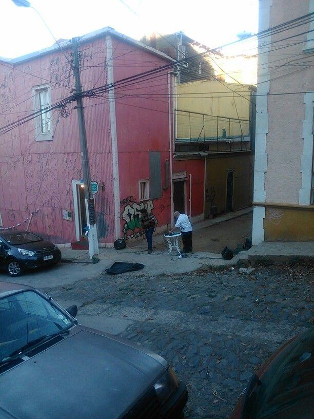 MúsicArte en plena calle del cerro :3
