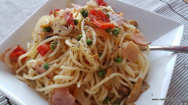 En rätt som tar lika lång tid som pastan, max 15-20 minuter, och den är god!