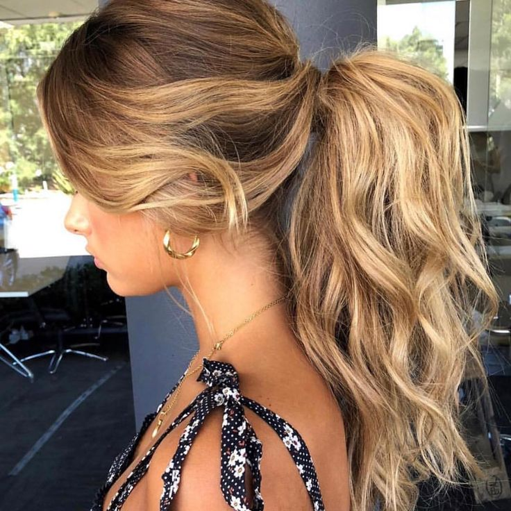 Two of our favourite things! Summer inspired hair and a gorgeous textured pony. …
