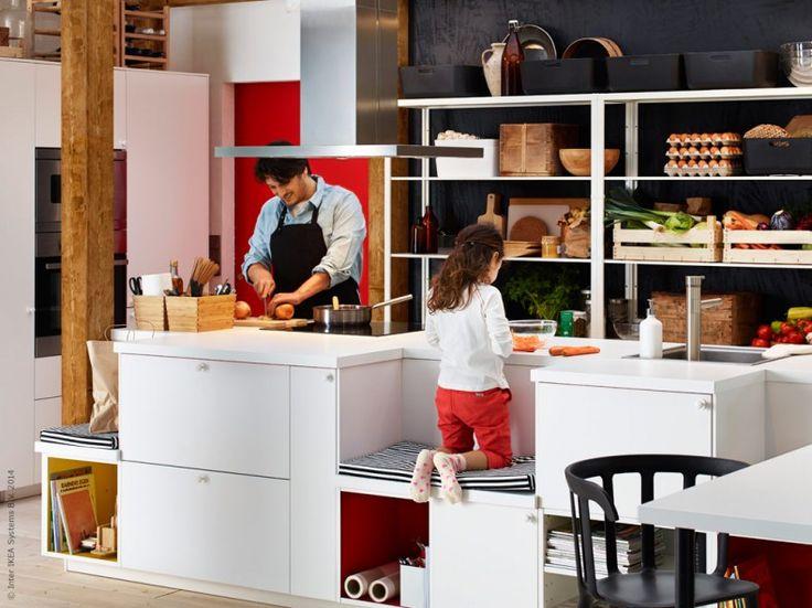 Temat för årets IKEA katalog handlar om hur varje dag börjar och avslutas. I år har vi gett lite extra uppmärksamhet till de rum där människor sover och gör sig redo varje morgon och kväll. För om vardagen börjar och slutar på ett trevligare sätt, kan vi skapa samma effekt på resten av livet.
