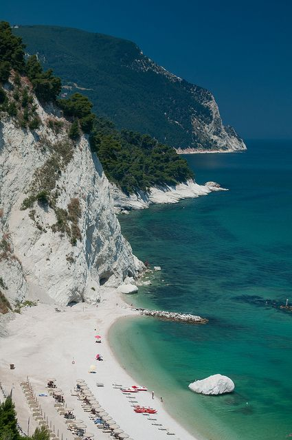 Ancona, Marche. All those visits and we missed this beach... Have to go back soon!