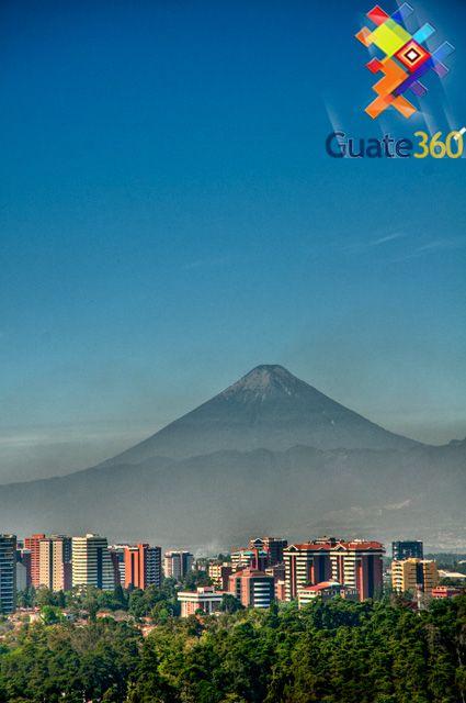 Ciudad de Guatemala - El Volcán de Agua: custodia a la Ciudad de Guatemala