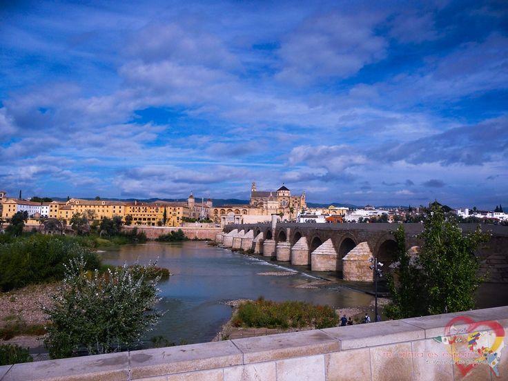 Puente Romano. Córdoba, Andalucía, España.