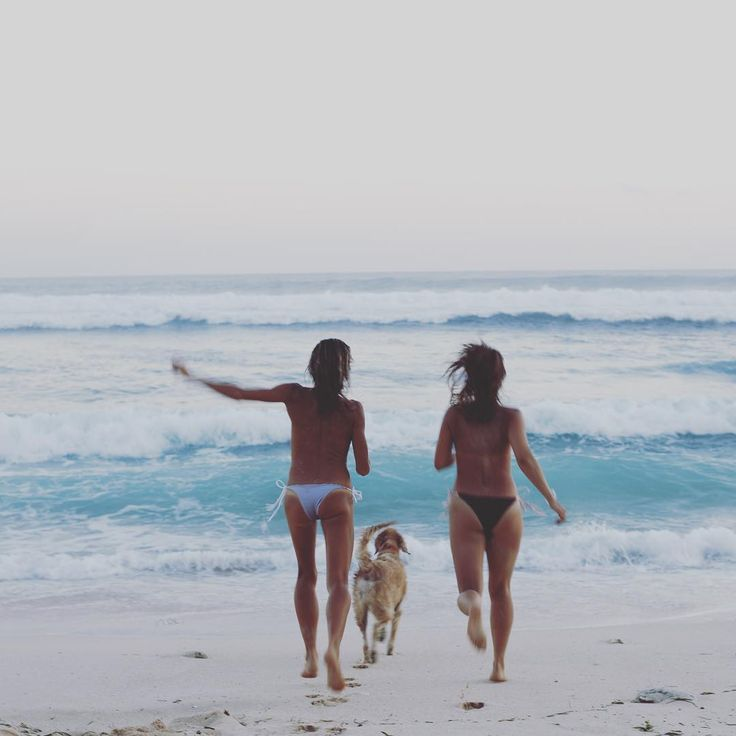 empty beach, close friends, yr favorite pooch and bikini bottoms...thats all you need <3 nunuibali bikini