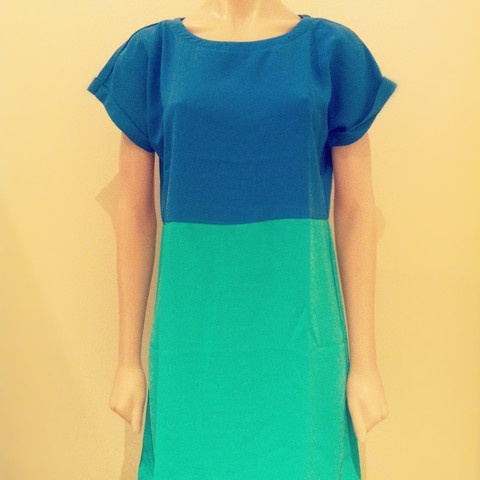 IDS colour block T dress. Love the green and blue combo. A flattering wardrobe staple that could be worn with flats or wedges. Slightly relaxed fit, fabric has a silky feel $54.95