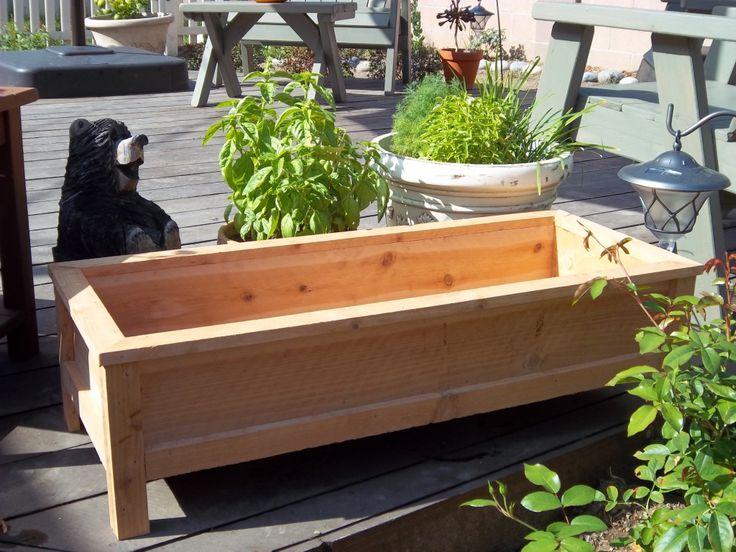 Garden and patio large cedar wood raised garden planter for Cedar garden box designs