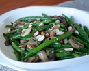 Теплый салат из зеленой фасоли и шампиньонов