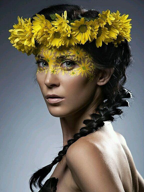 Maquillage Artistique, Maquillage Halloween, Styles De Maquillage, Visages,  Fleurs, Top Modèles, Poil, Idées De Photographie, Yeux