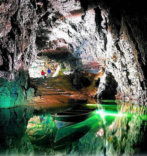 Lechuguilla Cave; Carlsbad Caverns National Park, New Mexico