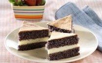 Resep Cake Lapis Ketan Hitam selalu menjadi incaran para penggemar kue apalagi menjelang hari hari besar. Resep Cake istimewa akan saya bagikan untuk anda dan pastinya sudah melalui proses ujicoba. Cara buat kue Cake Lapis …