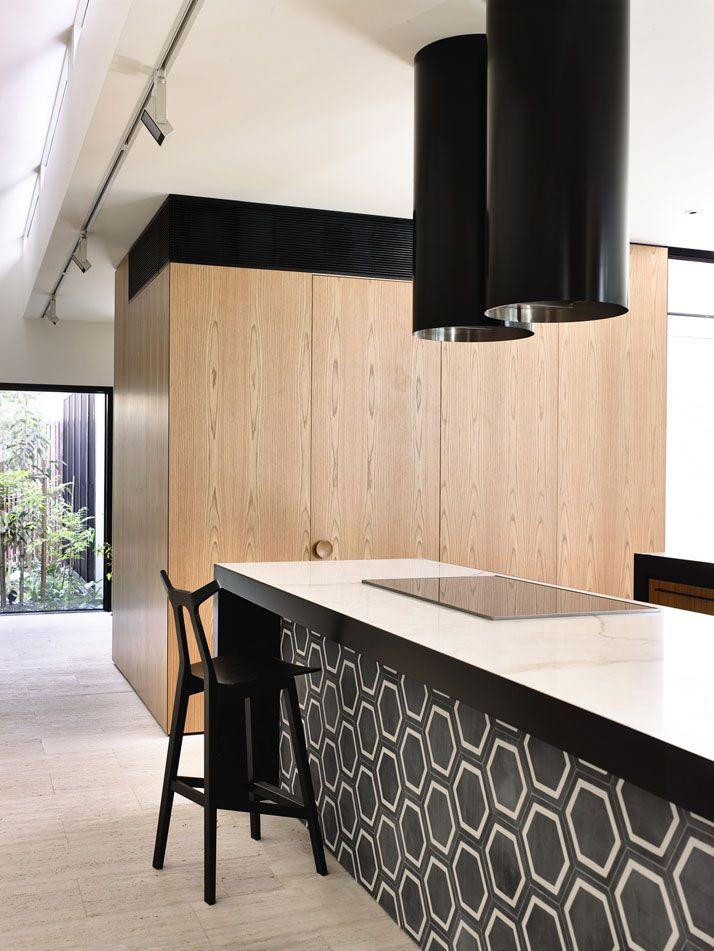 St Kilda West House: Evoking Asia in Melbourne by Kennedy Nolan Architects | Yatzer
