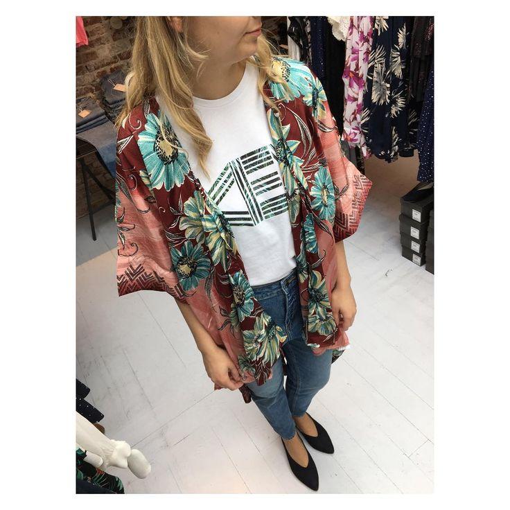 """68 gilla-markeringar, 5 kommentarer - Anthon.dk (@anthon9900) på Instagram: """"Så er der igen kommet nye kimono'er fra Sissel Edelbo  Så mange fine print  Køb dem i…"""""""