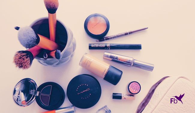 Breng je make-up aan in de juiste volgorde zodat je tijd bespaart op je dagelijkse make-up routine.