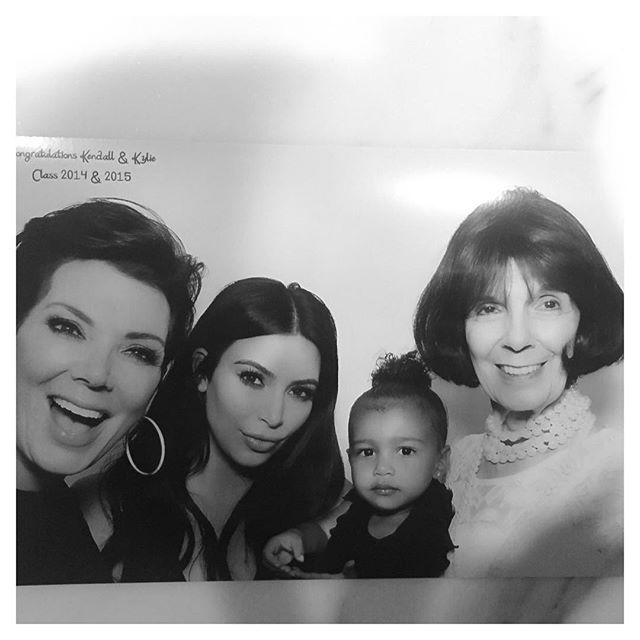 @kimkardashian - as 4 gerações!