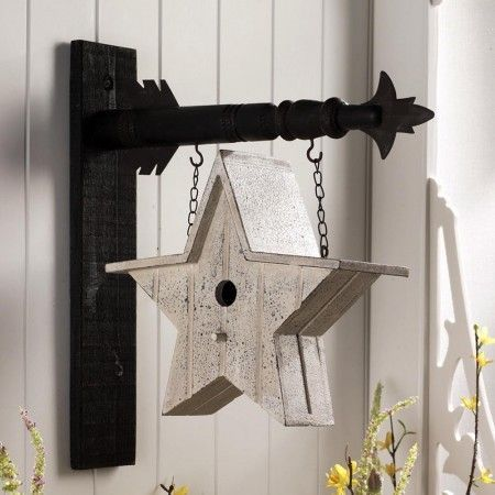 This is SO cute .. love the hanger and that the birdhouse is a star!