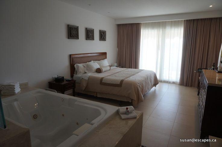 Isla Mujeris Palace, luxury rooms with jacuzzi's