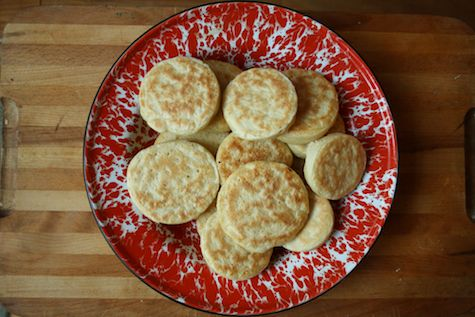 Easy Homemade Crumpets Recipe - Copywriters' Kitchen