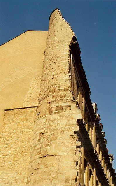 L'ancienne enceinte de Philippe Auguste, rue Charlemagne - Paris 4e